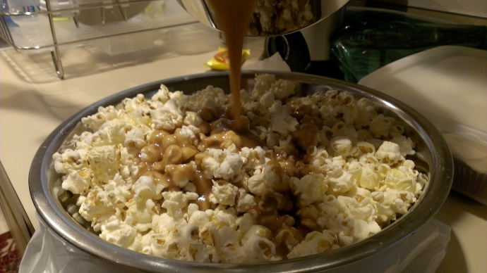 The art of making caramel popcorn.